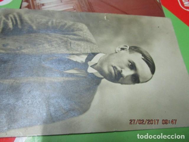 FOTO ANTIGUA MALAGA SEÑOR MANUSCRITO EN REFESO Y FIRMA EN 1918 (Fotografía - Artística)