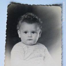 Fotografía antigua: NIÑO POSANDO FOTO ESTUDIO . Lote 180515271