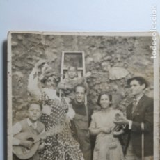 Fotografía antigua: FOTO MINUTERO - CON GUITARRAS BANDURRIAS Y MONTAMOS LA BERVENA 1948. Lote 181019423