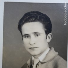 Fotografía antigua: MUCHACHO CABALLERO POSANDO - FOTO ESTUDIO DOMINGO . Lote 181021966