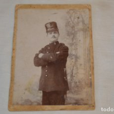 Fotografía antigua: FOTOGRAFÍA SOLDADO / MILITAR - FINAL 1800 / PRINCIPIOS 1900 - RICARDO SANZ SEVILLA/MADRID - ¡MIRA!. Lote 182356227