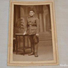 Fotografía antigua: FOTOGRAFÍA SOLDADO / MILITAR - FINAL 1800 / PRINCIPIOS 1900 - ESTUDIOS DIODORO / LARACHE - ¡MIRA!. Lote 182356852