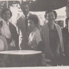 Fotografía antigua: FOTOGRAFIA FOTO ARTISTICA AMIGOS FAMILIA VENDRELL 1954. Lote 182408980