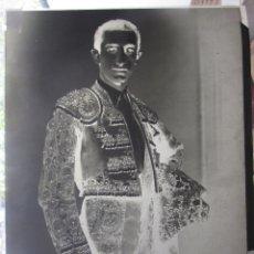 Fotografía antigua: NEGATIVO DE FOTO DE MANOLETE, AÑOS 40. MUY BUEN ESTADO. SE DESCONOCE AUTOR. 29 X 22,5. Lote 182577607