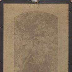 Fotografía antigua: FOTOGRAFIA FOTO ARTISTICA MODERNISTA MUJER POSANDO CON CABALLO. Lote 183002027
