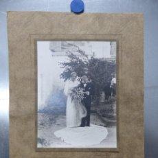 Fotografía antigua: ANTIGUA FOTOGRAFIA PAREJA RECIEN CASADOS - AÑOS 1930, FOTOGRAFO BARBERA MASIP. VALENCIA. Lote 183820310