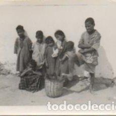 Fotografía antigua: FOTOGRAFIA DEL AAIUN. FOTO AVION. FRANCISCO GOMEZ FOTOGRAFO. 8X5,7 CM. FOTSEV-909, 6. Lote 184091230