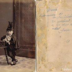 Fotografía antigua: FOTOGRAFÍA DE NIÑA DISFRAZADA DE MEFISTÓFELES, AÑO 1884. Lote 184599031