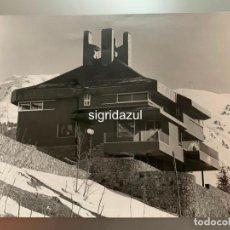 Fotografía antigua: FRANCESC CATALA ROCA FOTOGRAFIA ORIGINAL CASA HEREDERO TREDÓS 1968. Lote 186083945