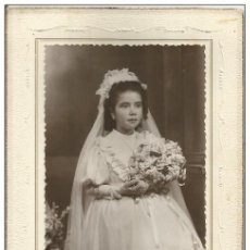 Photographie ancienne: == AG142 - FOTOGRAFIA - JOVENCITA DE PRIMERA COMUNION - FOTO MARTINEZ - LOS ALCAZARES 1949. Lote 186156495