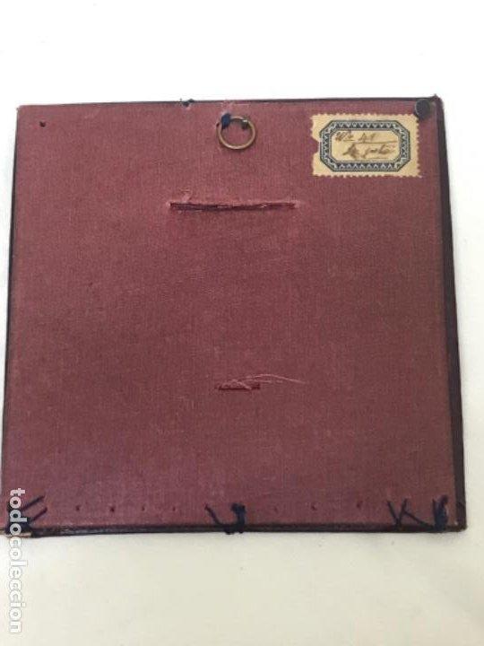 Fotografía antigua: Antigua foto redonda bebe medalla cojin y camison marco piel 12,4x12,4 cm - Foto 5 - 188465796