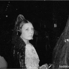 Fotografía antigua: == JN275 - FOTOGRAFIA - FALLERA - 18 X 12 CM.. Lote 189109568
