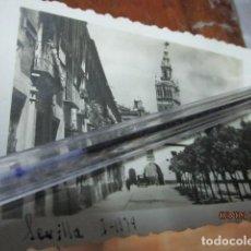 Fotografía antigua: SEVILLA EN GUERRA CIVIL ENERO 1939 LEGIONARIOS COCHE SALEN DE CUARTEL. Lote 189206917