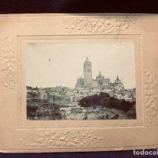 Fotografía antigua: FOTOGRAFIA ANTIGUA 1903 SEGOVIA VISTA CATEDRAL Y JUDERIA DESDE CUESTA DE HOYOS 21X26CMS. Lote 192244430