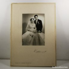 Fotografía antigua: FOTOGRAFIA - BODA PAREJA - AÑOS 20 - K. CARRILLO - SUCESOR DE BELDA - BARCELONA - 34 X 24 CM / TC-2. Lote 194222730