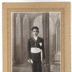 Fotografía antigua: BONITA FOTOGRAFÍA DE COMUNIÓN DE UN NIÑO - FOTO ART MARTÍNEZ HNOS. - CULLERA (VALENCIA). Lote 194230481