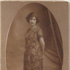 Fotografía antigua: BONITA FOTOGRAFÍA DE UNA CHICA - FOTOGRAFÍA RAPHAEL - BARCELONA. Lote 194230668