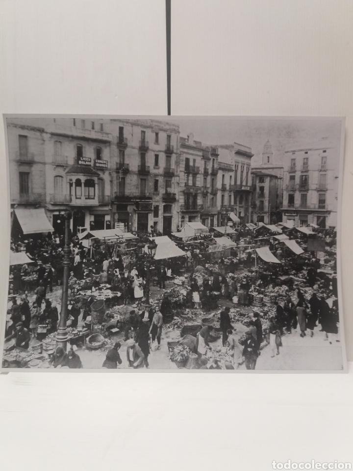 FOTO ANTIGUA COPIA PLAZA DEL MERCADO SABADELL TAMAÑO 40 CM X 30 CM (Fotografía - Artística)