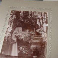 Fotografía antigua: LOTE DE FOTOGRAFIAS DEL SANTUARIO Y ENTORNO DE COVADONGA ASTURIAS. Lote 194339178