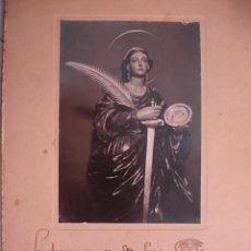 Fotografía antigua: FOTO DEDICADA POR ASOCIACCION SANTA LUCIA IGLESIA SANTA CATALINA SEVILLA AÑO 1941. Lote 194390708