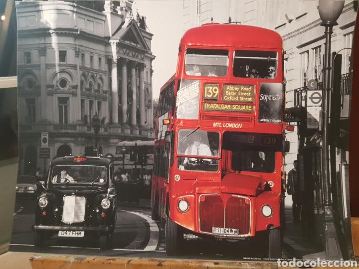 PAWEL LIBERA. TAXI Y BUS DOBLE- DECKER LONDRES. FOTOGRAFÍA ORIGINAL CON MATRICULA LEGAL DEL EDITOR (Fotografía - Artística)