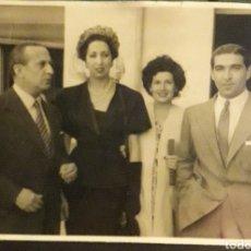 Fotografía antigua: ORIGINAL FOTOGRAFIA TORERO BIENVENIDA ACTRIZ PASTORA PEÑA Y OTROS. Lote 194539811