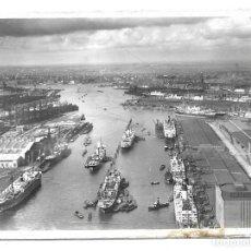 Fotografía antigua: FOTO-POSTAL ANTIGUA - DEL PUERTO DE HAMBURGO EN MAYO DE 1.950 - CIRCULADA . Lote 194626358