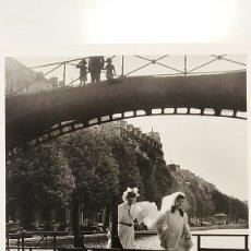 Fotografía antigua: ROBERT DOISNEAU: CANAL SAINT-MARTIN. PARIS 1953. FOTOGRAFÍA LITOGRAFICA ORIGINAL CON MATRÍCULA LEGAL. Lote 194636583