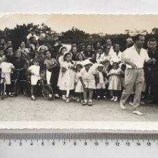 Fotografía antigua: FOTO. VOLTA A PORTUGAL INFANTIL. FOTÓGRAFO?. ESTORIL, 17-8-1952.. Lote 194664138