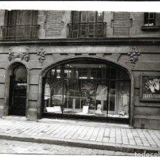 Fotografía antigua: EXTRAORDINARIA FOTOGRAFIA ANTIGUA- FRONTAL DE UNA TIENDA DE LUJO . Lote 194752662
