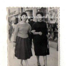 Fotografía antigua: CEREZO. FOTÓGRAFO DE MADRID. MINUTERO, AMBULANTE. SELLADA REVERSO. 1958. Lote 194765680