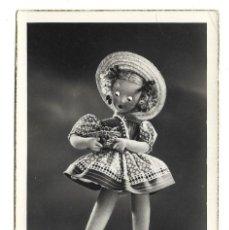 Fotografía antigua: 2 FOTO-POSTAL ANTIGUA DE - LA MUÑECA CELI - UNA NUEVA Y OTRA - DEDICADA EL 11 - 10- 1.954. Lote 194878196