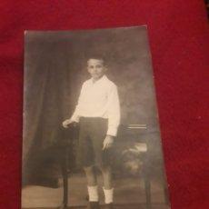 Fotografía antigua: ANTIGUA POSTAL FOTOGRAFÍCA DE ESTUDIO Y1923. Lote 194905906