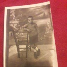 Fotografía antigua: ANTIGUA POSTAL FOTOGRAFÍCA DE ESTUDIO, PRINCIPIOS DEL 1900. Lote 194906032