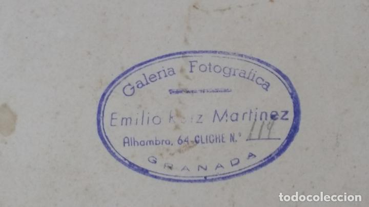 Fotografía antigua: Foto de estudio Emilio Ruiz, Casa Linares, Granada. Grupo de turistas vestidos de moros Alhambra - Foto 8 - 195025333