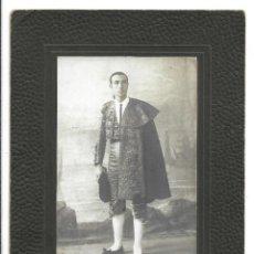 Fotografía antigua: EXTRAORDINARIA FOTOGRAFIA ANTIGUA - MATADOR DE TOROS - DEDICADA A SU MAESTRO-. Lote 195026068