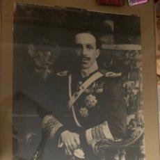 Fotografía antigua: ESPECTACULAR FOTOGRAFÍA DE ALFONSO XIII DE ENORME TAMAÑO. Lote 195049960