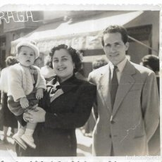 Fotografía antigua: == GG392 - FOTOGRAFIA - PAREJA CON SU NIÑO. Lote 195094612