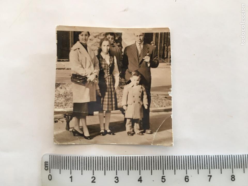 FOTO. GRUPO FAMILIAR. FOTÓGRAFO?. H. 1950?. (Fotografía - Artística)
