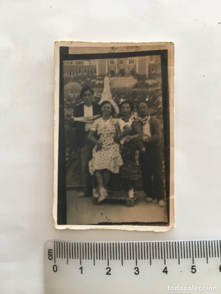 FOTO. GRUPO FAMILIAR. FOTÓGRAFO?. H. 1945?. (Fotografía - Artística)