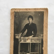 Fotografía antigua: FOTO. EN EL ESTUDIO DEL FOTÓGRAFO. PHOTO ART DERREY. VALENCIA. H. 1930?.. Lote 195371503