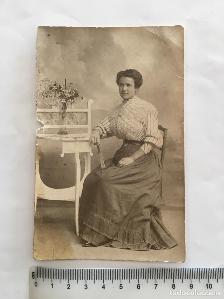 FOTO. JOVEN SEÑORITA. FOTÓGRAFO DERREY. VALENCIA. H. 1925?. (Fotografía - Artística)