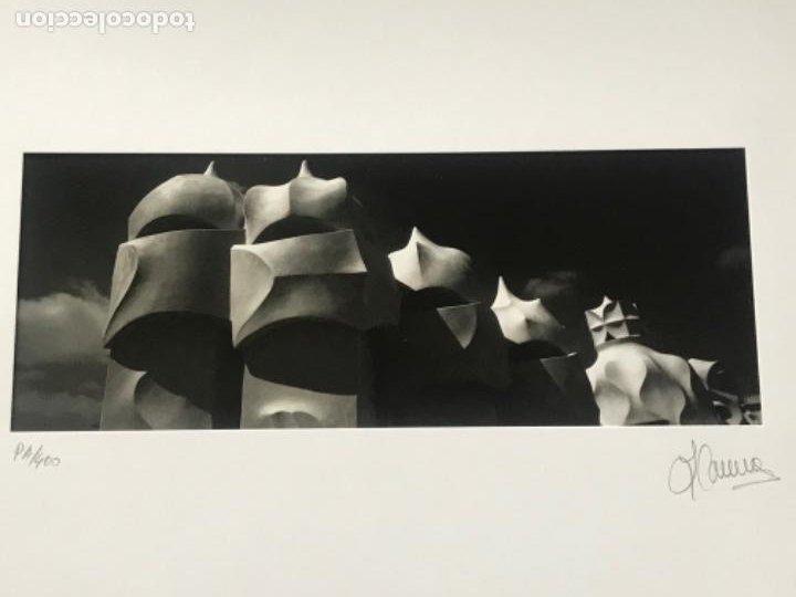 Fotografía antigua: FOTOGRAFÍA DE LLORENÇ HERRERA ALTES. CASA MILA LA PEDRERA. GAUDÍ. FIRMADA. - Foto 2 - 197380068