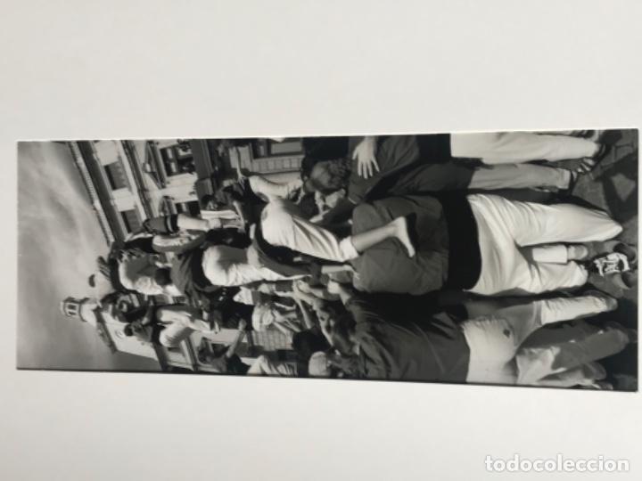 Fotografía antigua: FOTOGRAFÍA DE LLORENÇ HERRERA ALTÉS. PLAZA MERCADAL REUS. CARREGANT 4D8. 1998. NUMERADA. - Foto 3 - 197381426