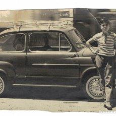 Fotografía antigua: FOTOGRAFIA FIAT 600. Lote 197974068