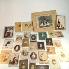 Fotografía antigua: GRAN LOTE DE 29 FOTOGRAFÍAS ANTIGUAS DE NIÑOS Y NIÑAS, DIFERENTES ÉPOCAS Y TAMAÑOS.. Lote 199322121