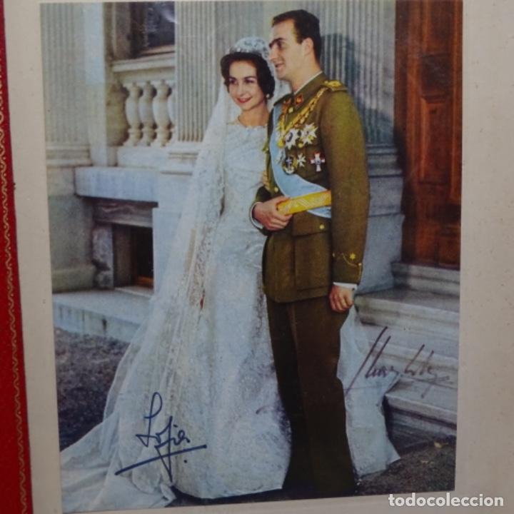 Fotografía antigua: fotografias de los reyes eméritos y don Juan de bombón y mujer.firmadas por todos.con cartas firmada - Foto 5 - 199678197
