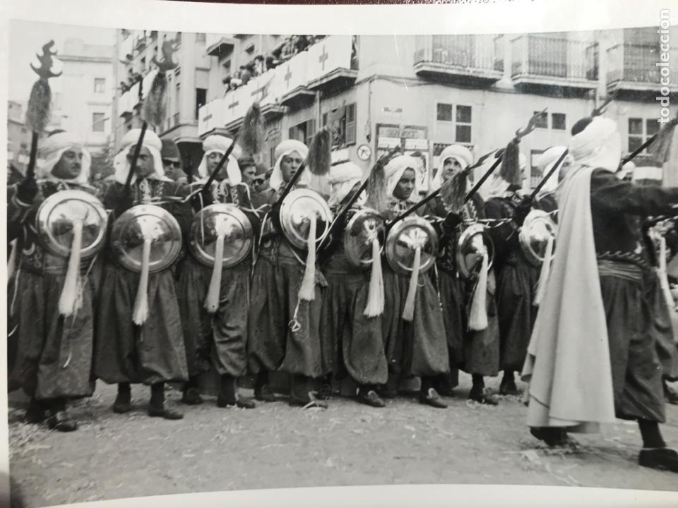 ALCOY. FIESTAS. 1965. 8 FOTOS (Fotografía - Artística)