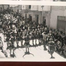 Fotografía antigua: ALCOY. FIESTAS 1960.21 FOTOS. Lote 200376461