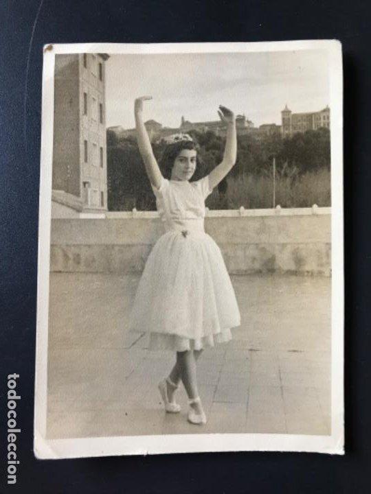 FOTO TOLEDO VISTA ALCAZAR AÑOS 70 NIÑA BAILARINA REPORTAJES GRAFICOS TOLEDO 12,4X9 CM (Fotografía - Artística)
